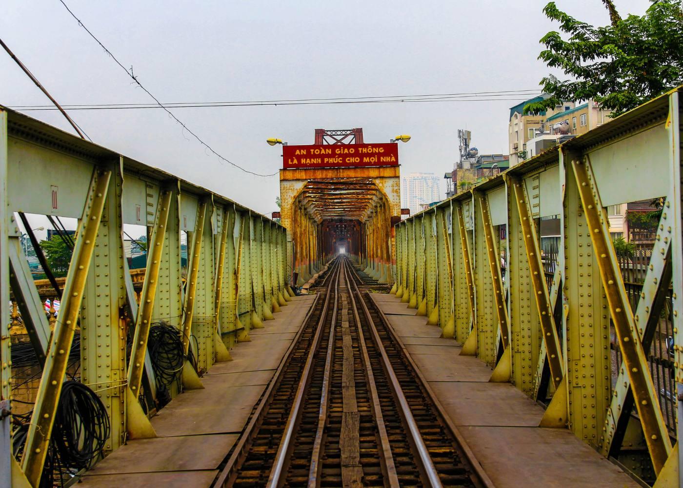 Ponte ferroviária no vietname