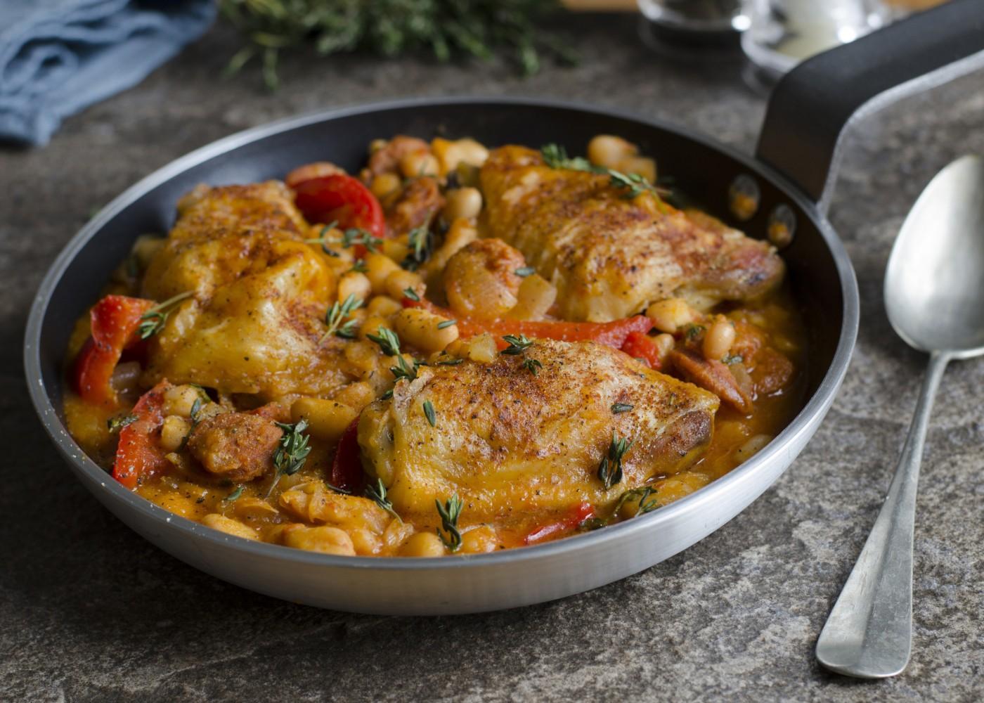 Estufado de frango e grão-de-bico