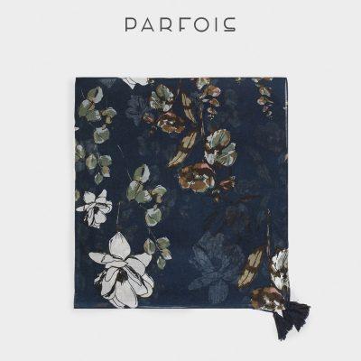 lenço estampado floral