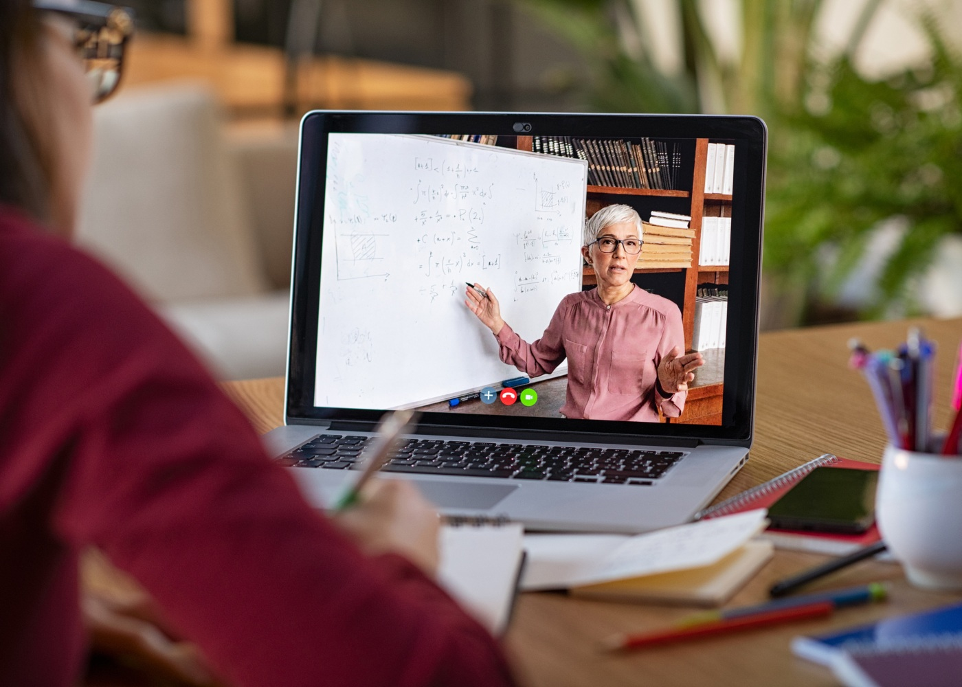 professora a usar a plataforma #Teachers4Covid