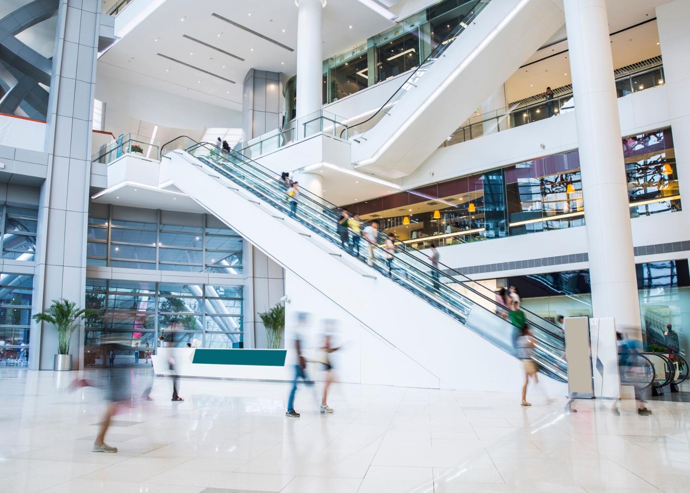 Interior de um centro comercial