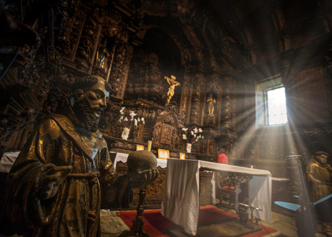 Interior da igreja de Marialva