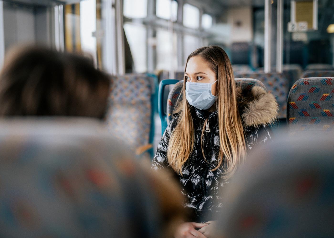 mascara-transportes-publicos
