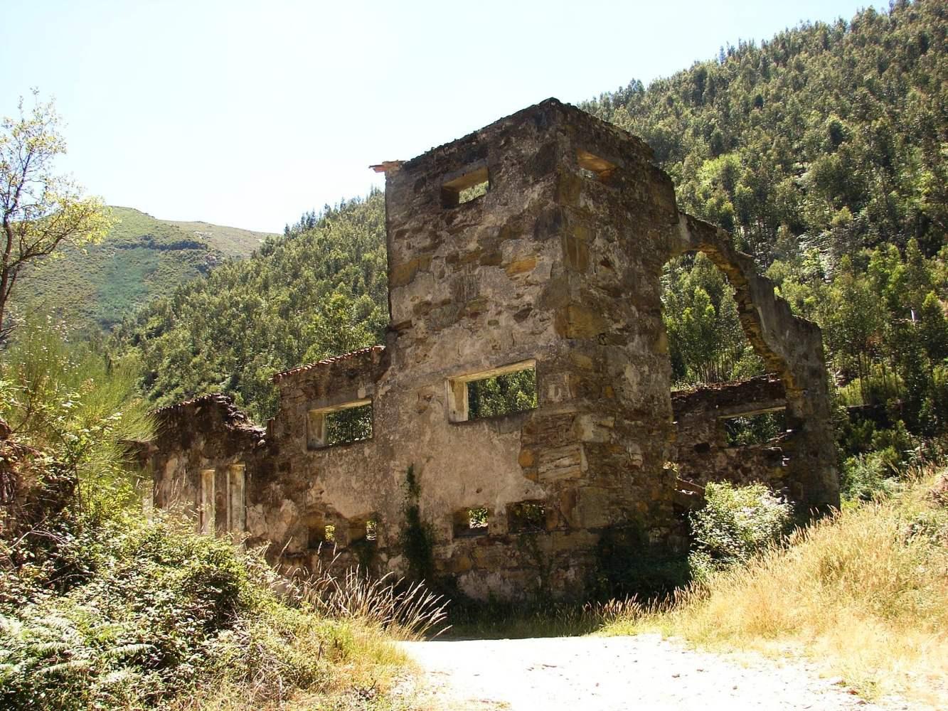 Ruinas da Mina de Rio de Frades