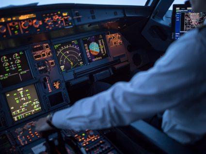 cockpit de um avião