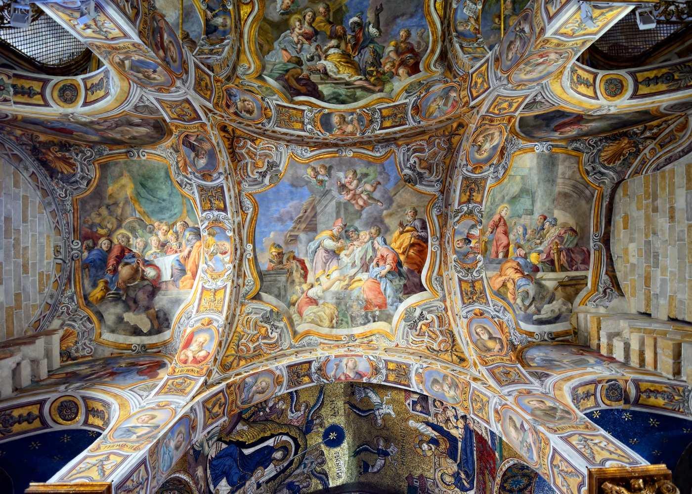 tecto pintado em igreja
