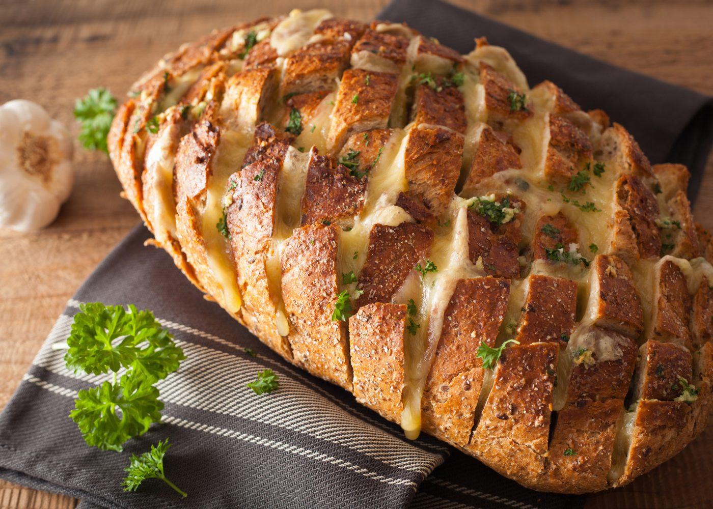 pão recheado com enchidos