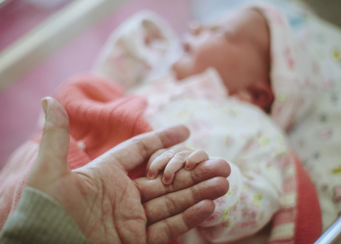 recém-nascido e pais