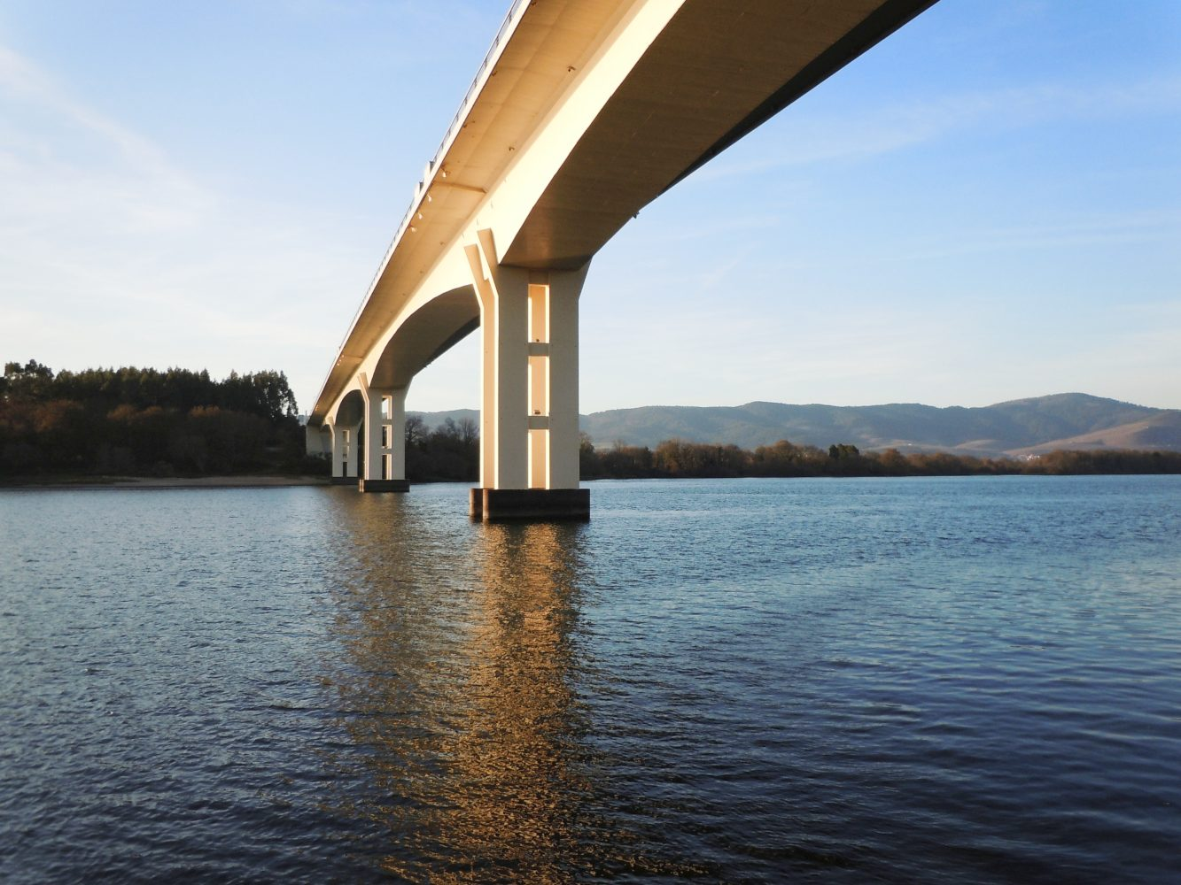 Ponte da Amizade sobre o rio Minho