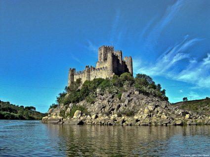 Castelo de almourol na rota dos templários