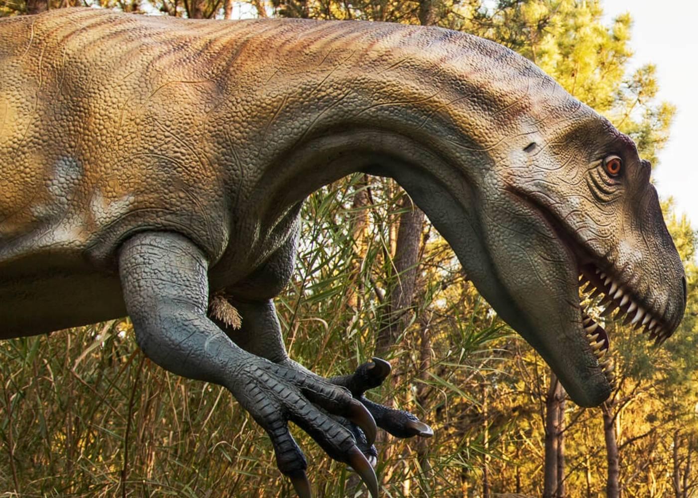 Modelo de dinossauro na Lourinhã
