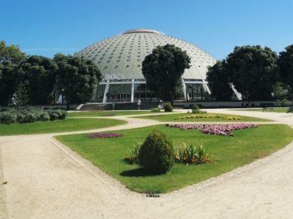 Feira do Livro do porto nos jardins do Palácio de Cristal