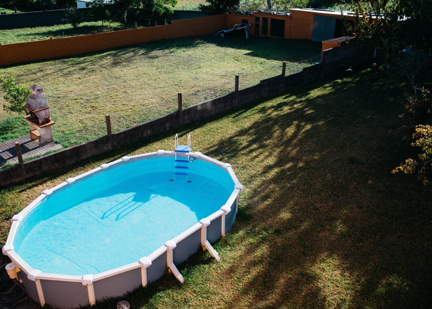 quanta custa uma piscina de superfície