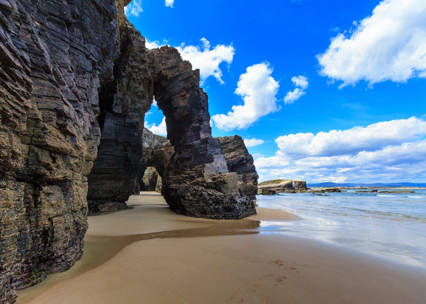 Praia de As catedrais em Lugo no norte de espanha