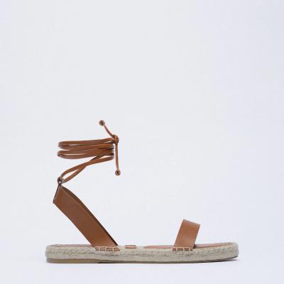 sandálias em pele e juta