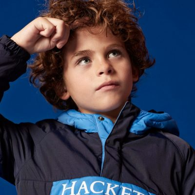 imagem de rapaz com roupa casual