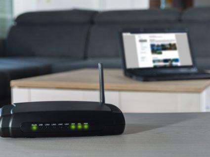 como saber se alguém está a usar a sua rede de wifi