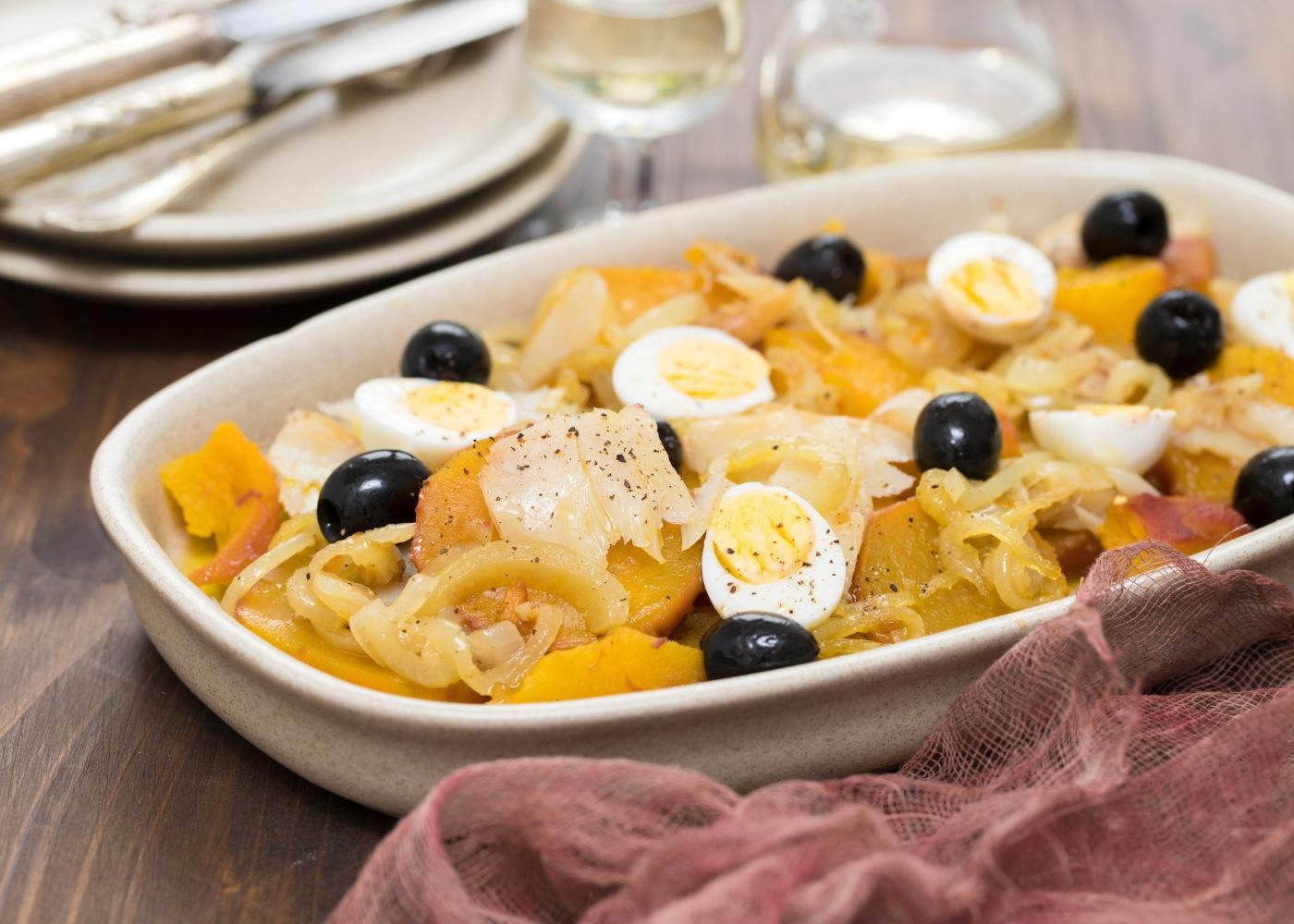 bacalhau de cebolada com ovos