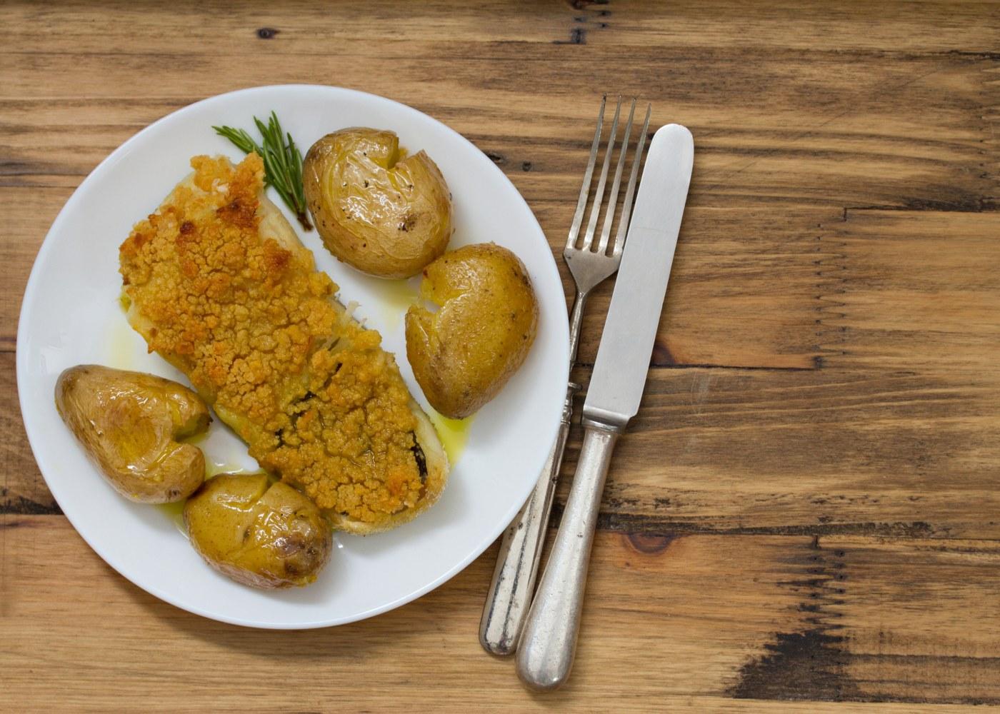 filetes de pescada com broa