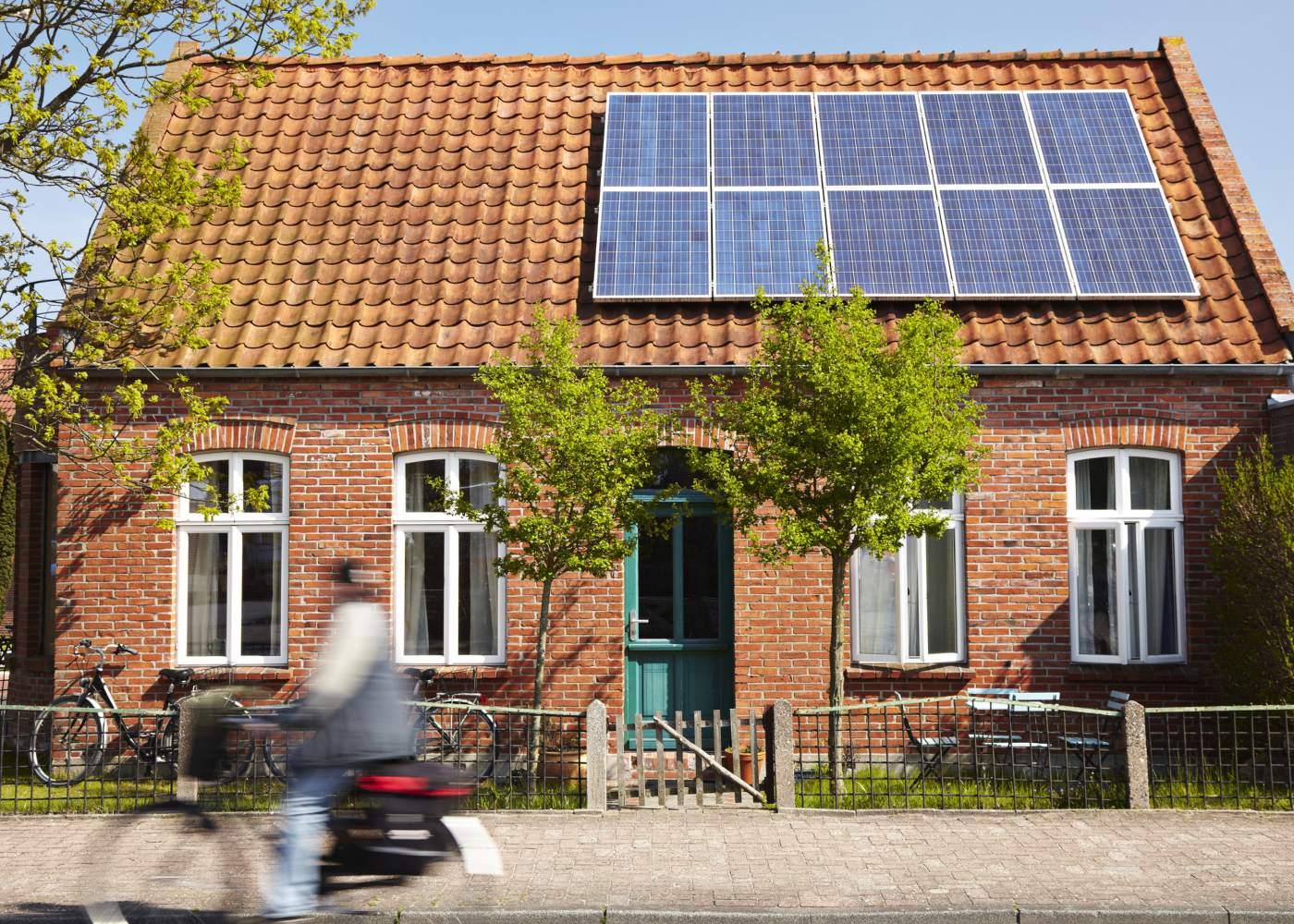 casa painéis fotovoltaicos