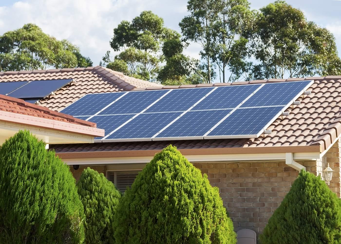painéis solares telhado