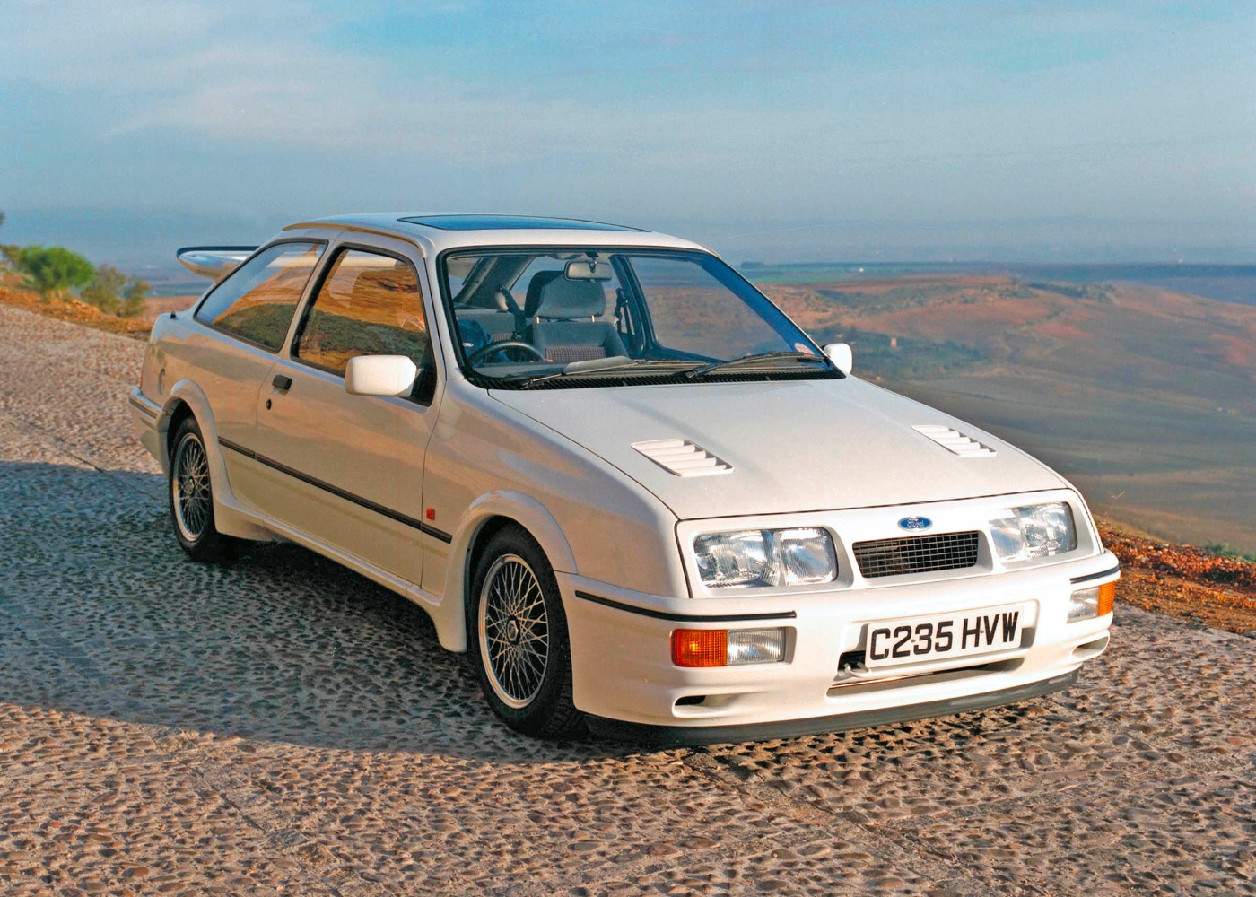 Ford Sierra I RS 500 Cosworth branco