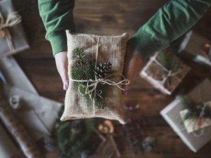 embrulho para um Natal verde