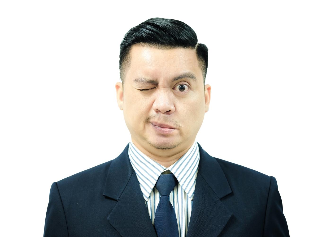 homem com paralisia facial