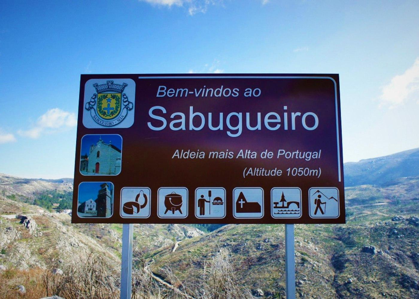 Placa no Sabugueiro
