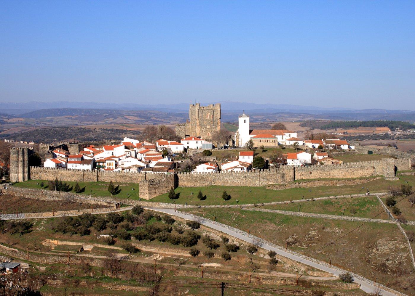 castelo e muralha de bragança