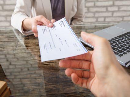 Documentos que o banco tem de lhe entregar quando abre uma conta