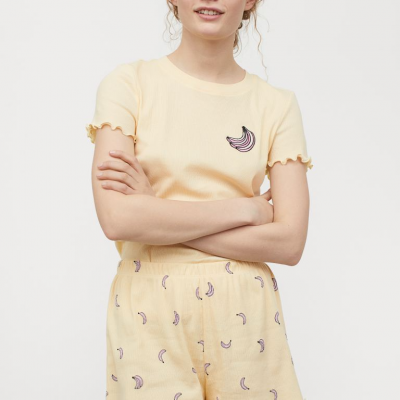 pijama amarelo estampado