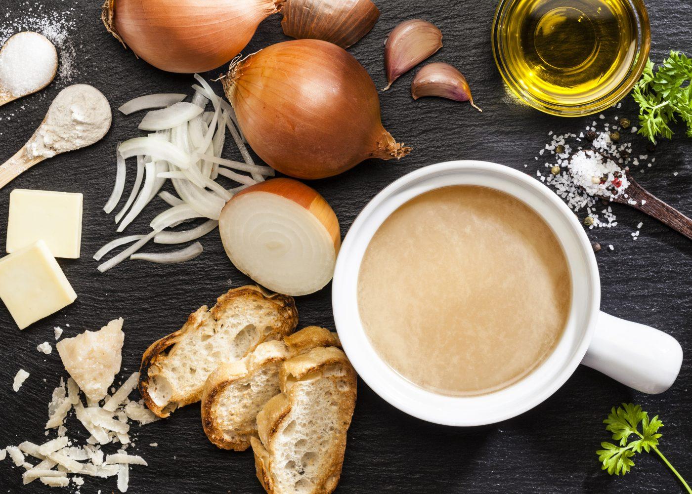 sopa de cebola cremosa