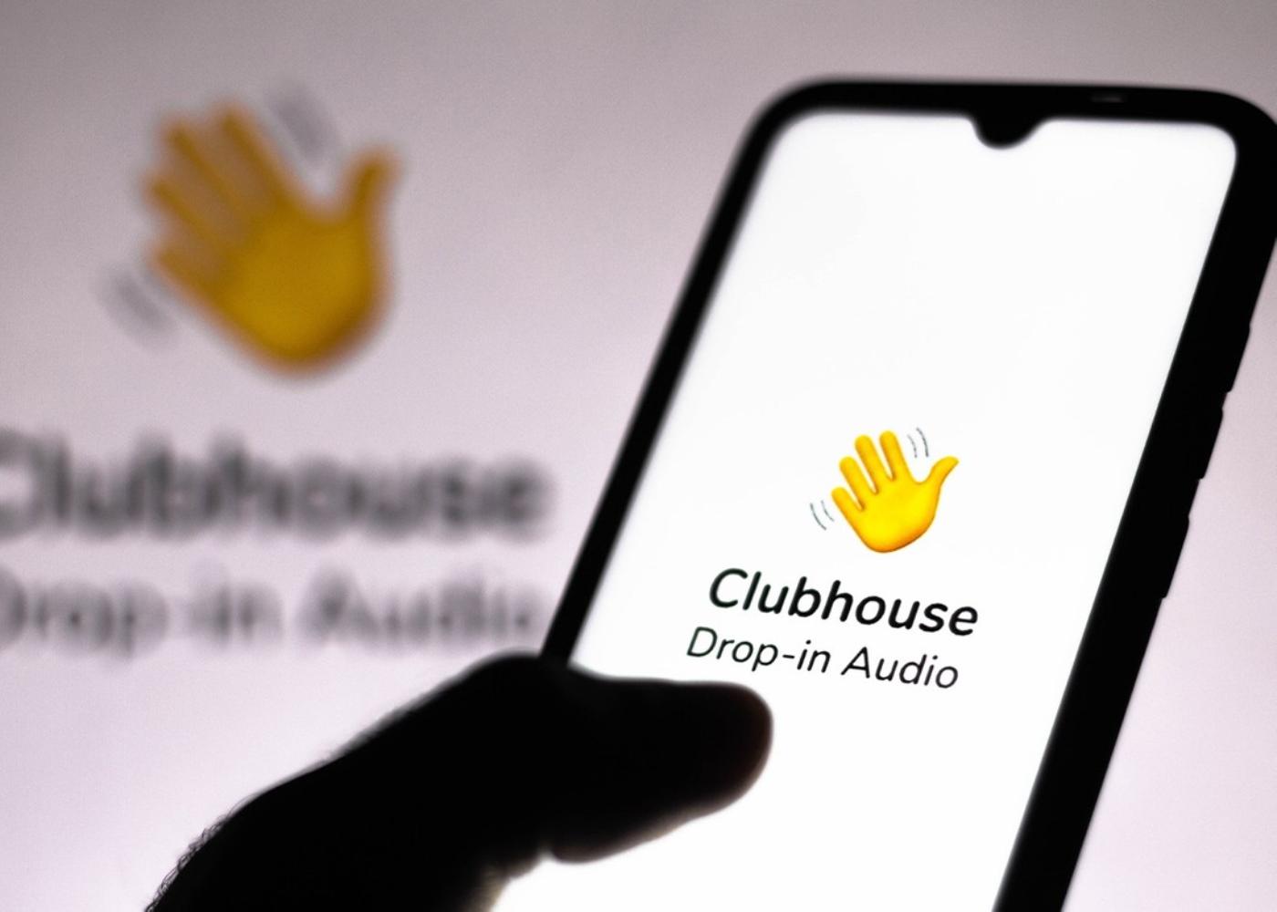 Smartphone com a app clubhouse