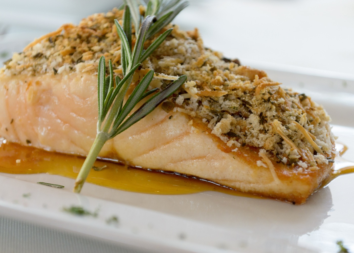 salmão com crosta de castanhas