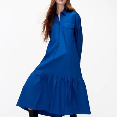 vestido camiseiro azul