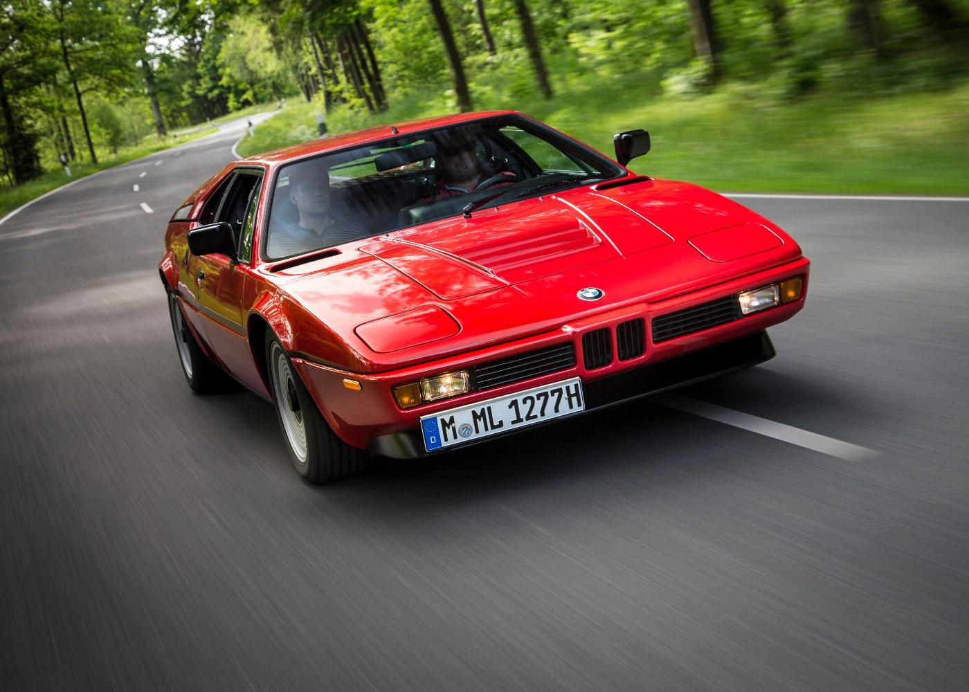 BMW M1 vermelho