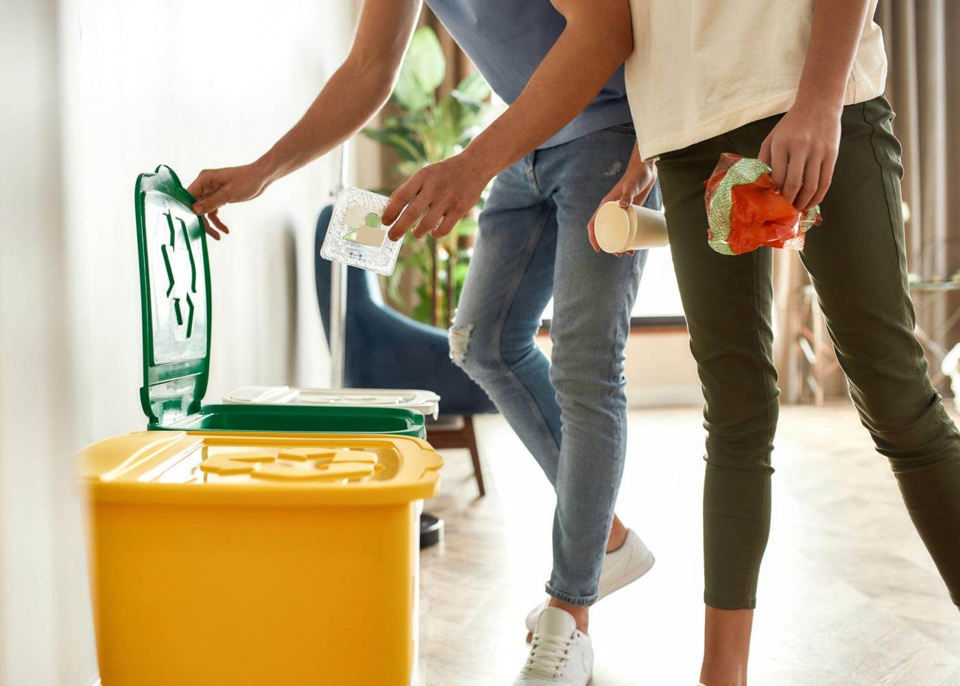 colocar objetos na reciclagem