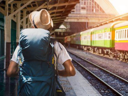 Estudante a viajar durante gap year