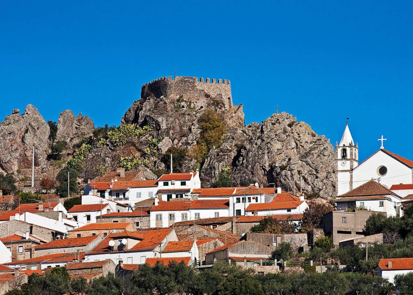 Muralhas do Castelo de Penha Garcia