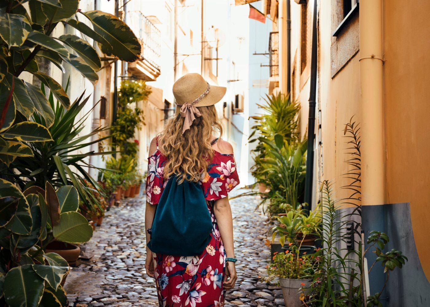 Mulher a viajar sozinha