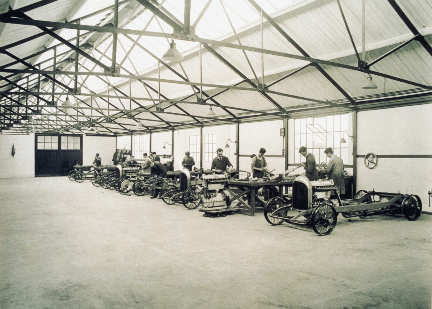 trabalhadores da Bentley nos primeiros anos