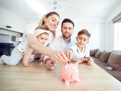 Dicas de poupança para famílias com crianças