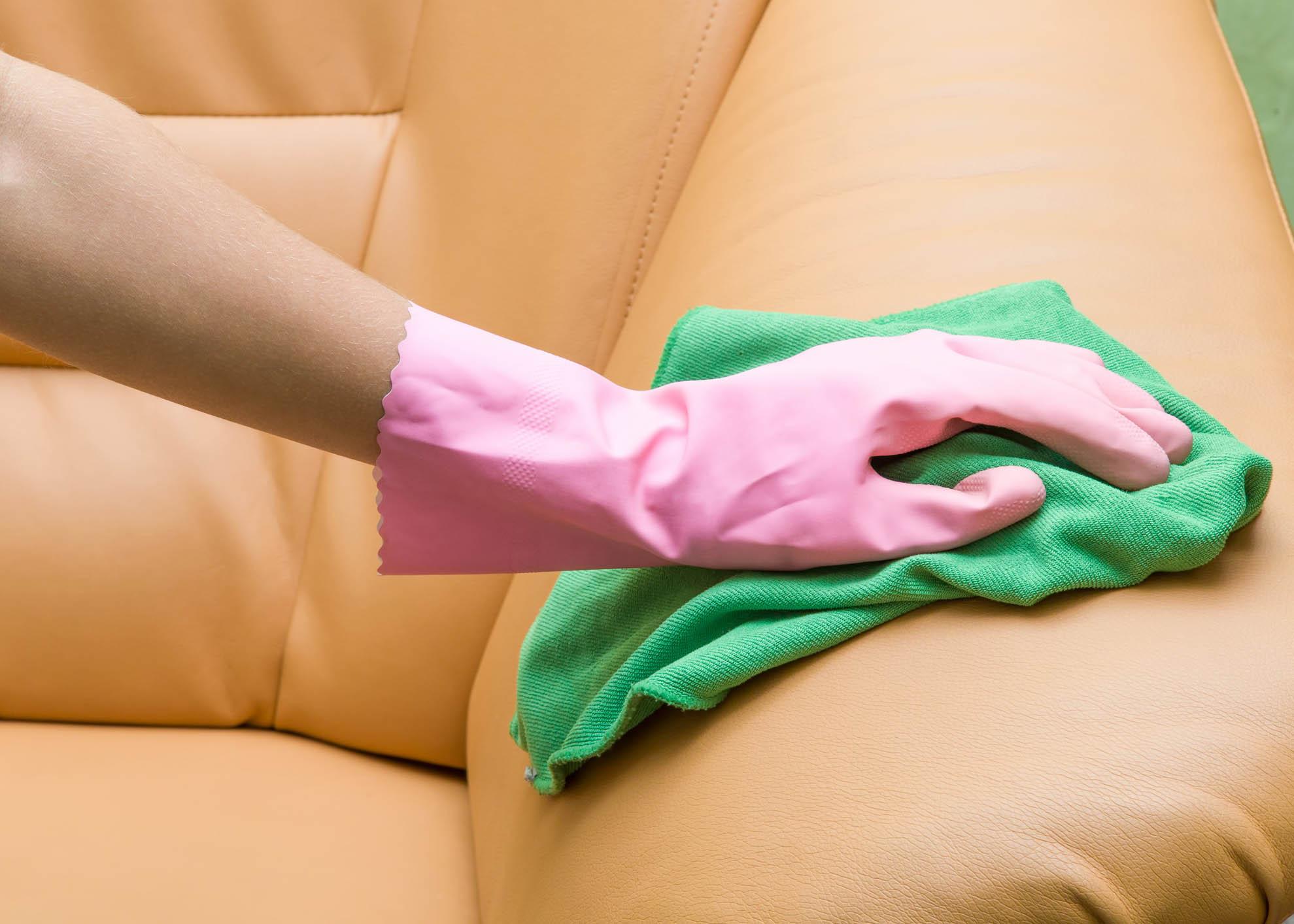 dicas para limpar sofá de pele