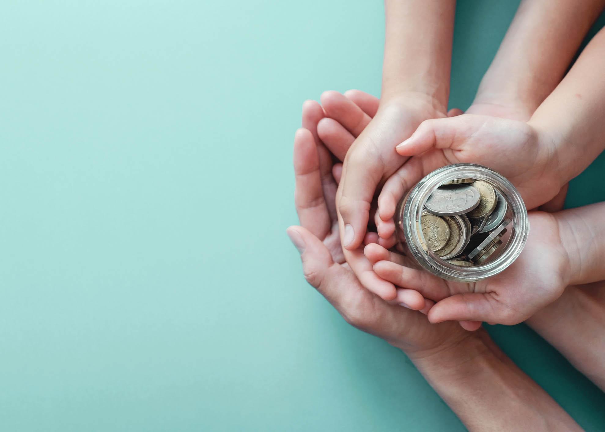 poupar dinheiro em família