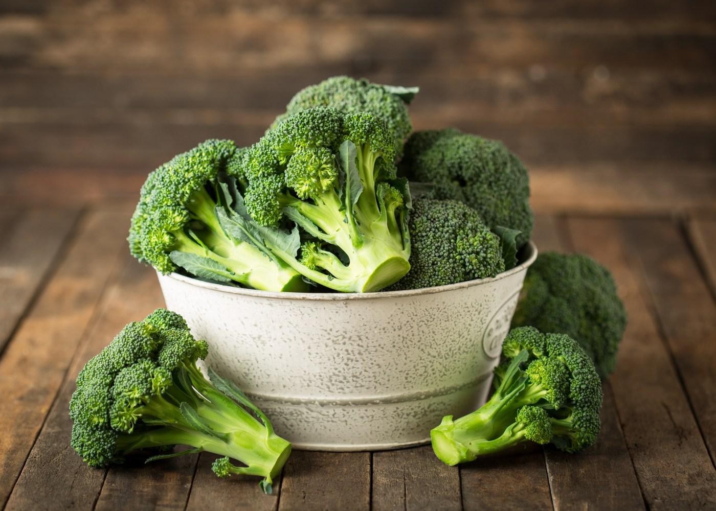 Taça com brócolos