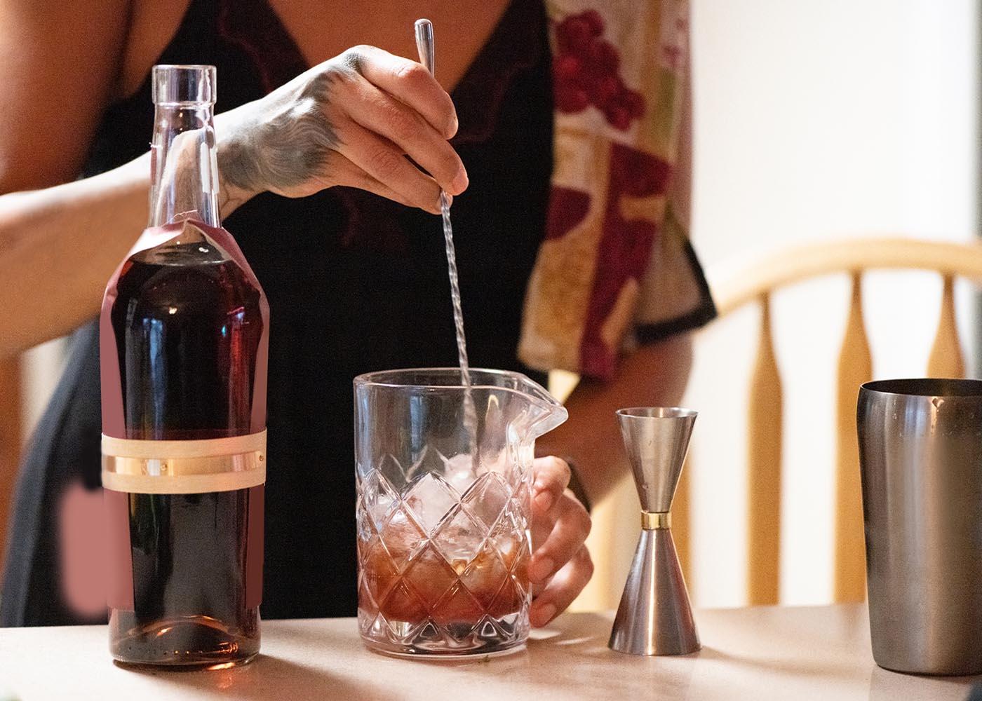 preparar cocktail