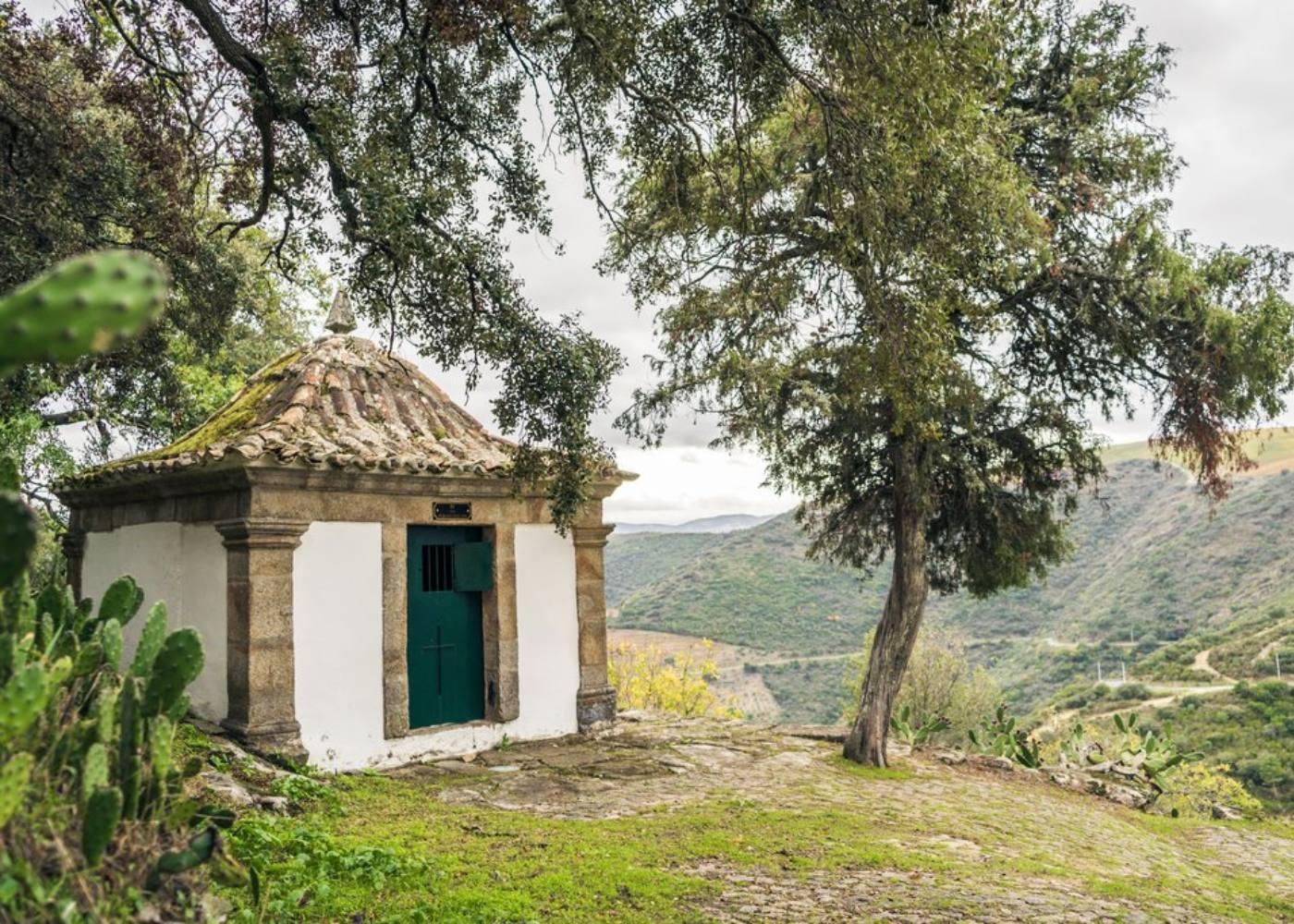 Capela em São Salvador do Mundo