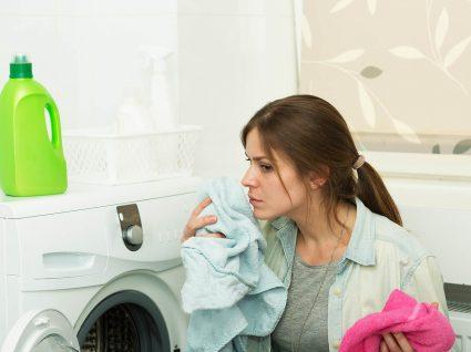 evitar bolor no guarda-roupa