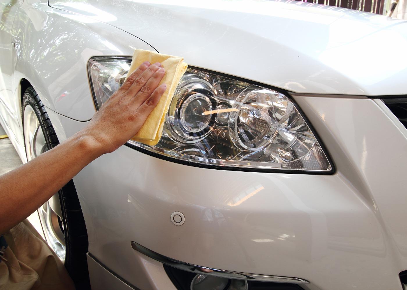 Como polir os faróis do carro